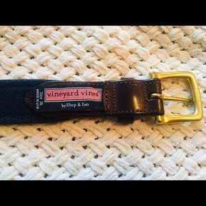 VINEYARD VINES~ LEATHER/BRASS WHALE DETAIL